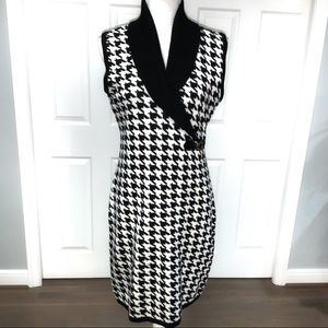📁Calvin KLein B/W Houndstooth Slvls Sweater Dress
